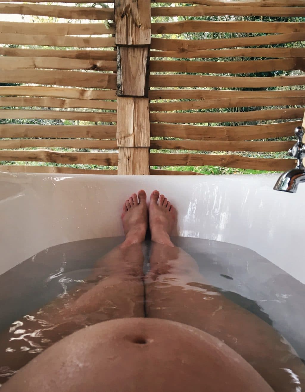 Brookhouse Woods Outdoor Bath Tub